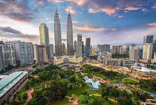 kuala lumpur, malaysia city skyline. - 쿠알라룸푸르 뉴스 사진 이미지