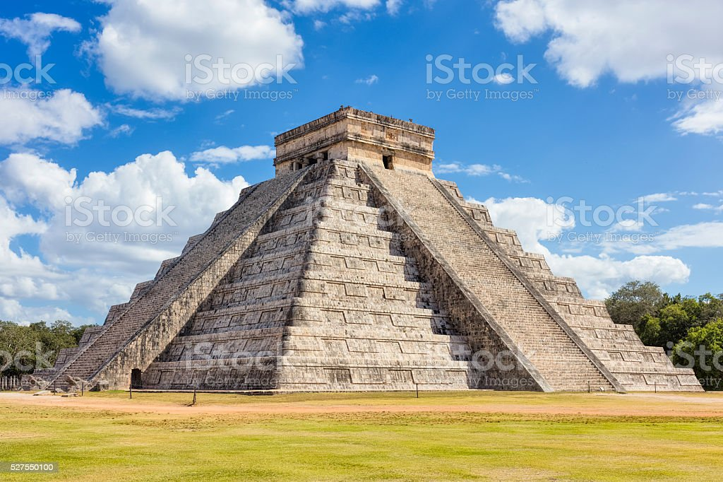 Kukulkan / El Castillo , Mayan Pyramid Chichen Itza Mexico stock photo