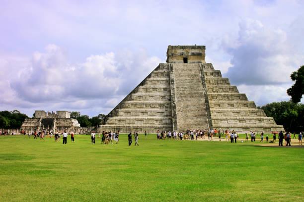 Kukulkan mayan Pyramid in Chichen Itza Site, Yucatan, Mexico. - foto stock