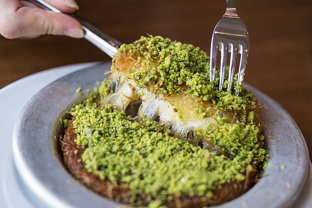 Kunefe / Turkish Traditional Dessert - foto de acervo