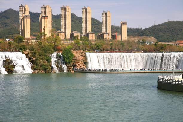 쿤밍, 중국에서 쿤밍 폭포 공원 되었다 아시아에서 가장 큰 폭포 공원 - 쿤밍 뉴스 사진 이미지