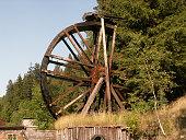 istock Kunstrad vor dem Besucherbergwerk in Lautenthal im Harz 145841708