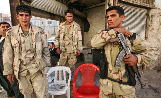 Soldat kurde monte la garde dans Erbil, Kurdistan, en Irak. Ils sont appelés des peshmerga en Iraq.» - Photo