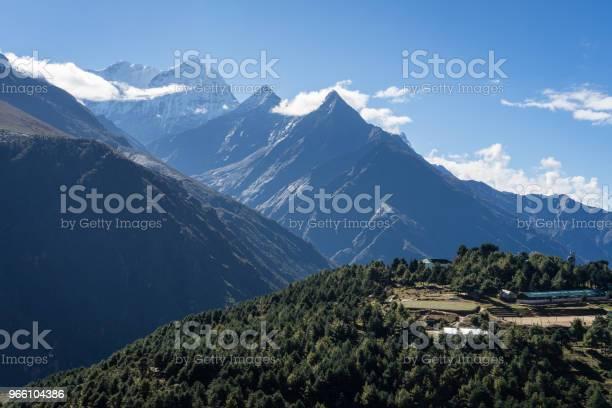 Kusum Khangkaru Mountain Peak I Everest Regionen Nepal-foton och fler bilder på Asien