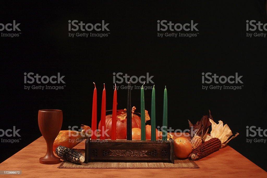 Kwanza Tabla Unlit velas de ángulo bajo - foto de stock