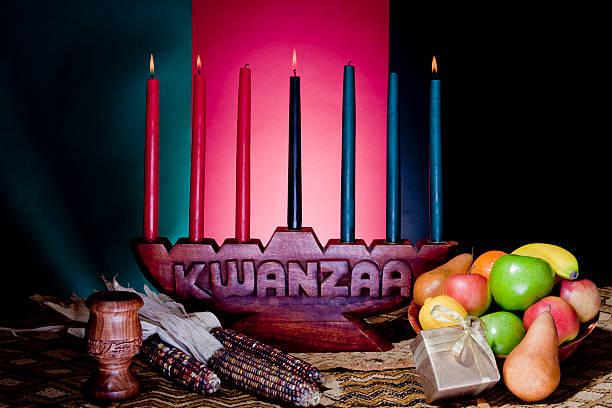アフリカ系アメリカ人のお祝い - クワンザ ストックフォトと画像