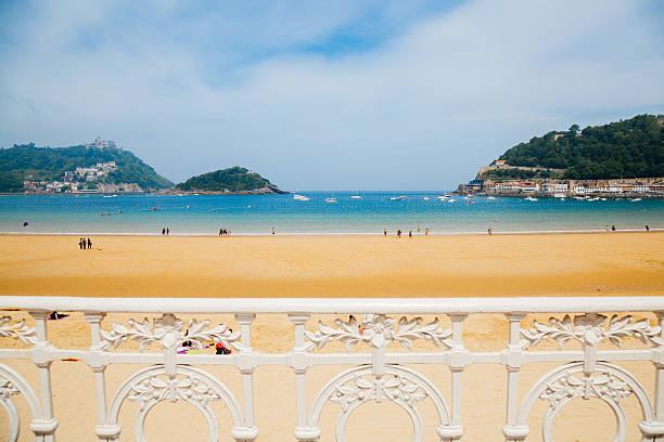 la concha beach - san sebastian donostia stock-fotos und bilder