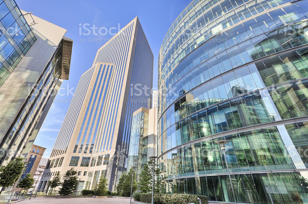 Plus de soleil immeuble de bureaux moderne circulaire banque d