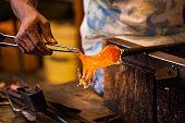 La lavorazione del vetro di Murano, Venezia, Veneto, Italia