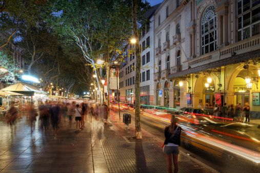 La Rambla En Barcelona España Foto de stock y más banco de imágenes de Adulación