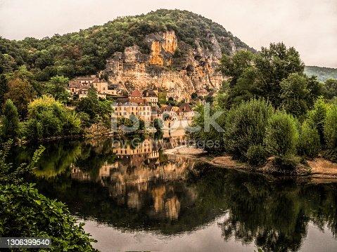 istock La Roque-Gageac, Dordogne, France 1306399540