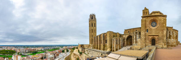 la seu vella cathedral at lleida, spain - lleida zdjęcia i obrazy z banku zdjęć