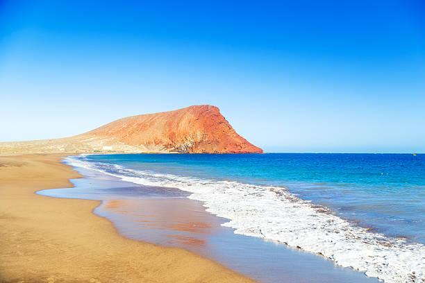 Tejita y La Playa El Medano La montaña de Tenerife, Islas Canarias - foto de stock