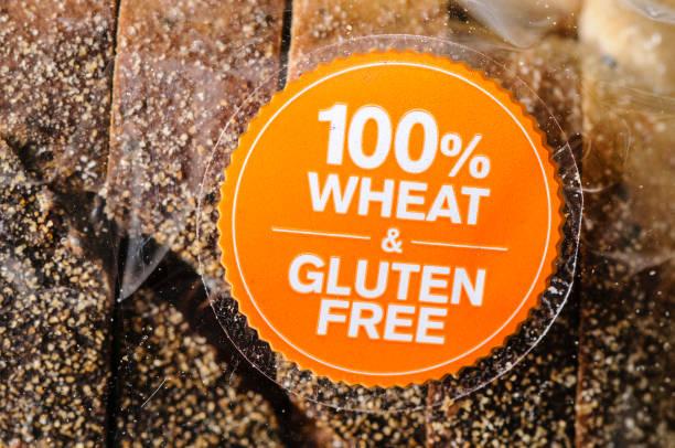 Etikett auf einem Weizen- und glutenfreien Brot – Foto
