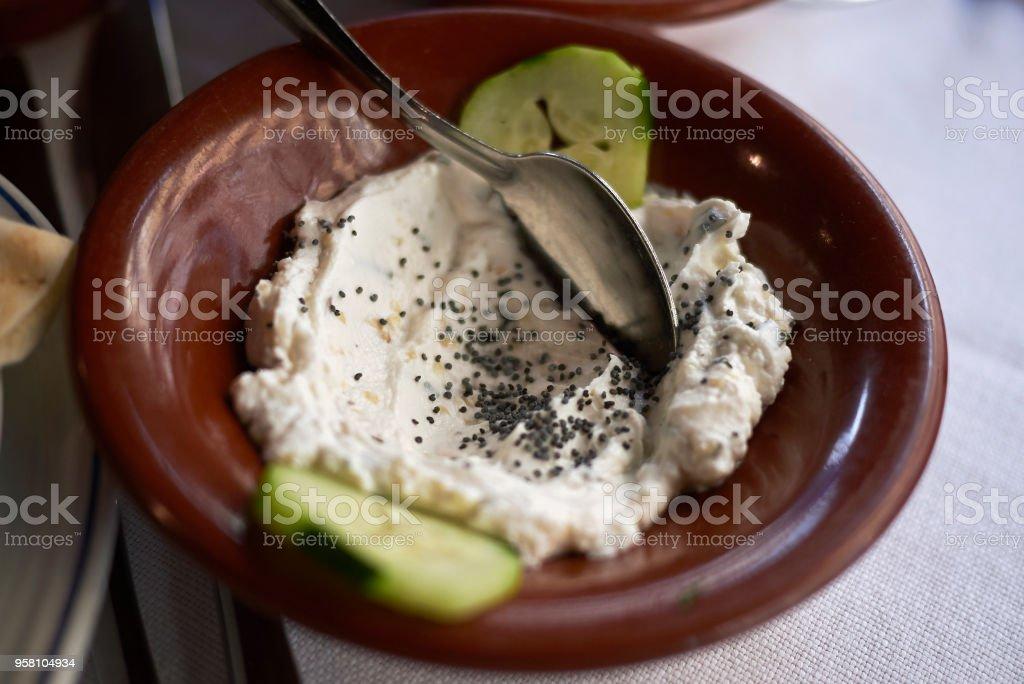 Labneh mit Mohnöl – Foto