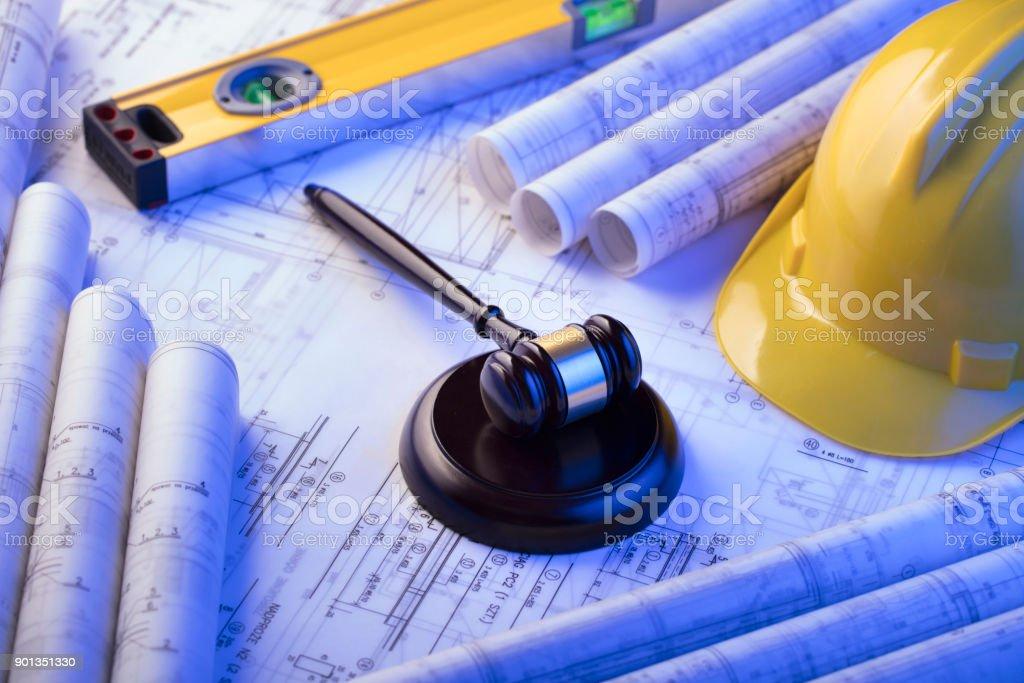 Arbeits- und Baurecht. – Foto