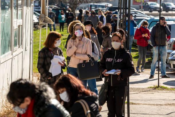 labor bureau unemployment - unemployment стоковые фото и изображения
