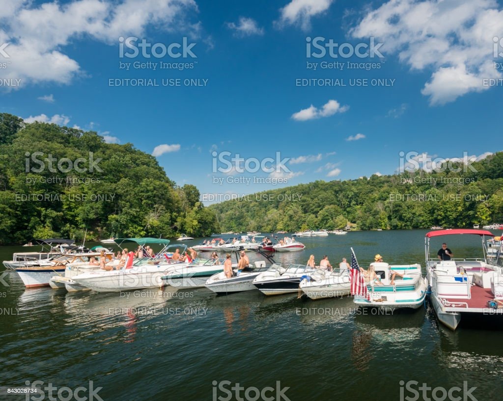 Día del trabajo remeros en Cheat lago Morgantown WV - foto de stock