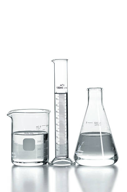 laborglas - messzylinder stock-fotos und bilder