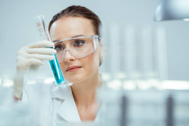 Laboratory Scientist working in laboratory microbiologist stock pictures, royalty-free photos & images