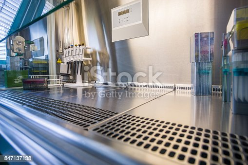 istock Laboratory work at a blank steril bank. Cell splitting work. 847137138