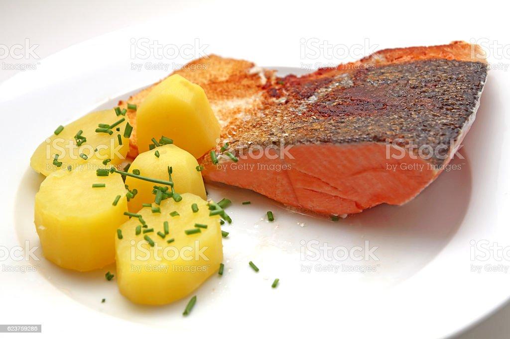 Lachs Filet mit Salzkartoffeln stock photo