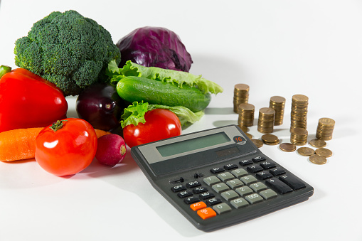 lack-of-money-on-health-food-poverty-concept-picture-id917269906?k=6&m=917269906&s=170667a&w=0&h=wq6SyvePnQcT-jfDSn34icttg5XC6z0zLZH7h7E8cQQ=&profile=RESIZE_400x