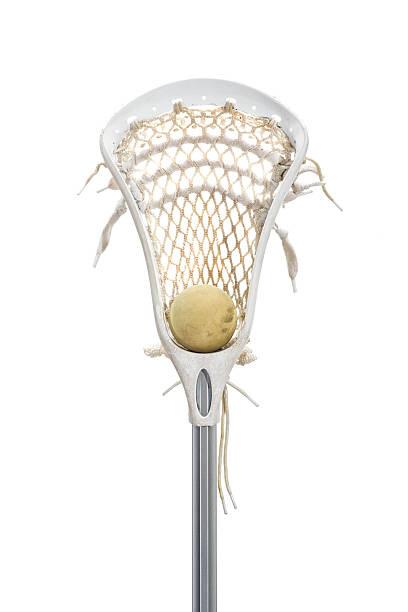 lacross kija i piłka na białym tle - kij do gry w lacrosse zdjęcia i obrazy z banku zdjęć