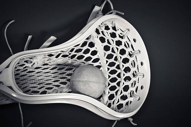 lacrosse głowa z piłką, (czarny i biały - lacrosse zdjęcia i obrazy z banku zdjęć