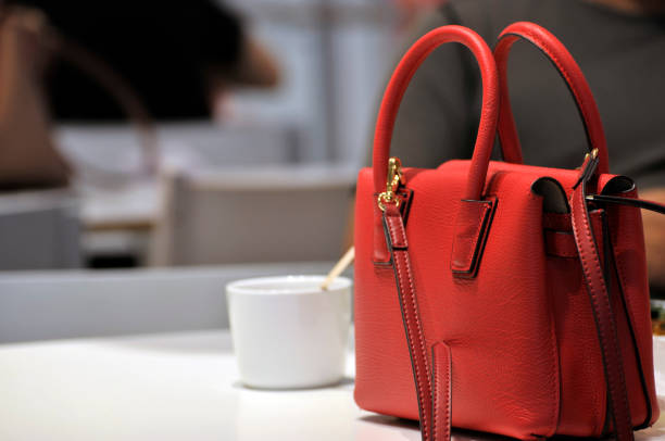 ladies red handbag - borsetta foto e immagini stock