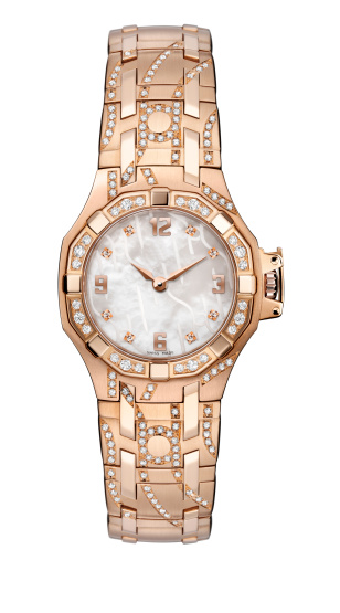 Luxury ladies golden wrist watch with gold bracelet