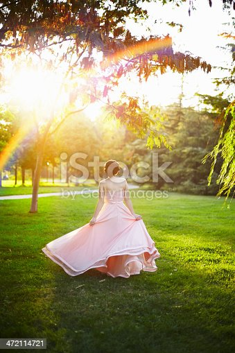 1054970060istockphoto Lady in dreamland 472114721