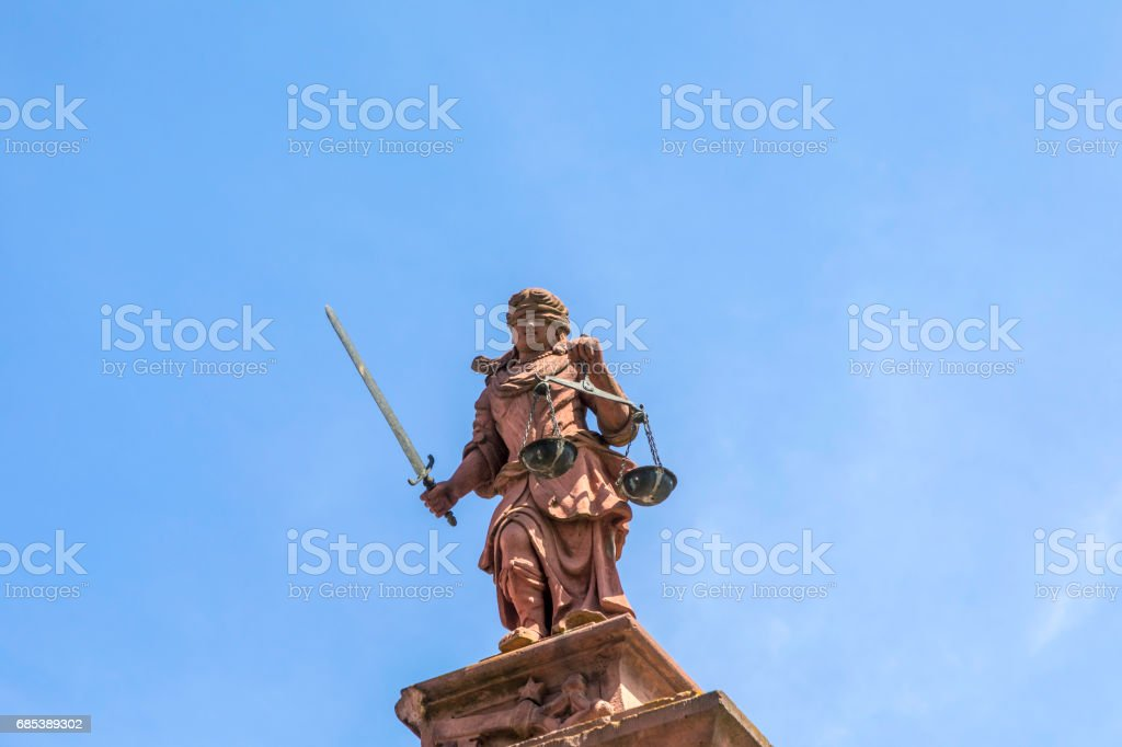 lady justice in Worms foto de stock royalty-free