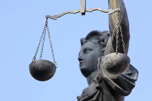 Lady Justice Seitenansicht durch Größe – Foto