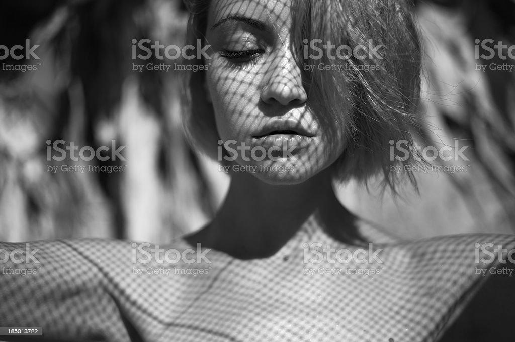 Lady avec Bas résille motif sur le visage - Photo