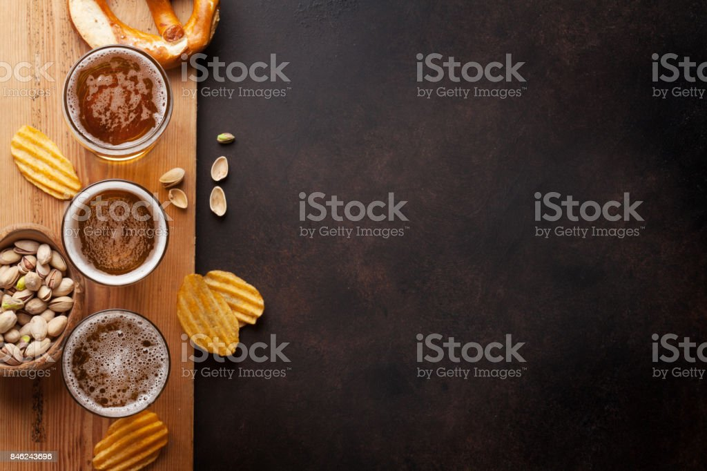 Lager beer and snacks - foto stock