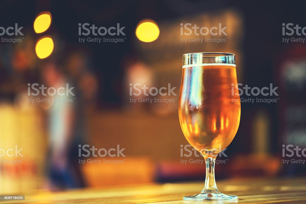lager beer in pub. Soft focus. Shallow DOF – Foto