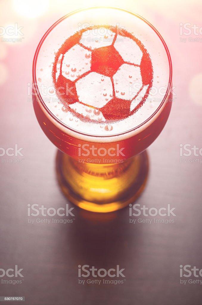 lager-Bier auf Tisch – Foto