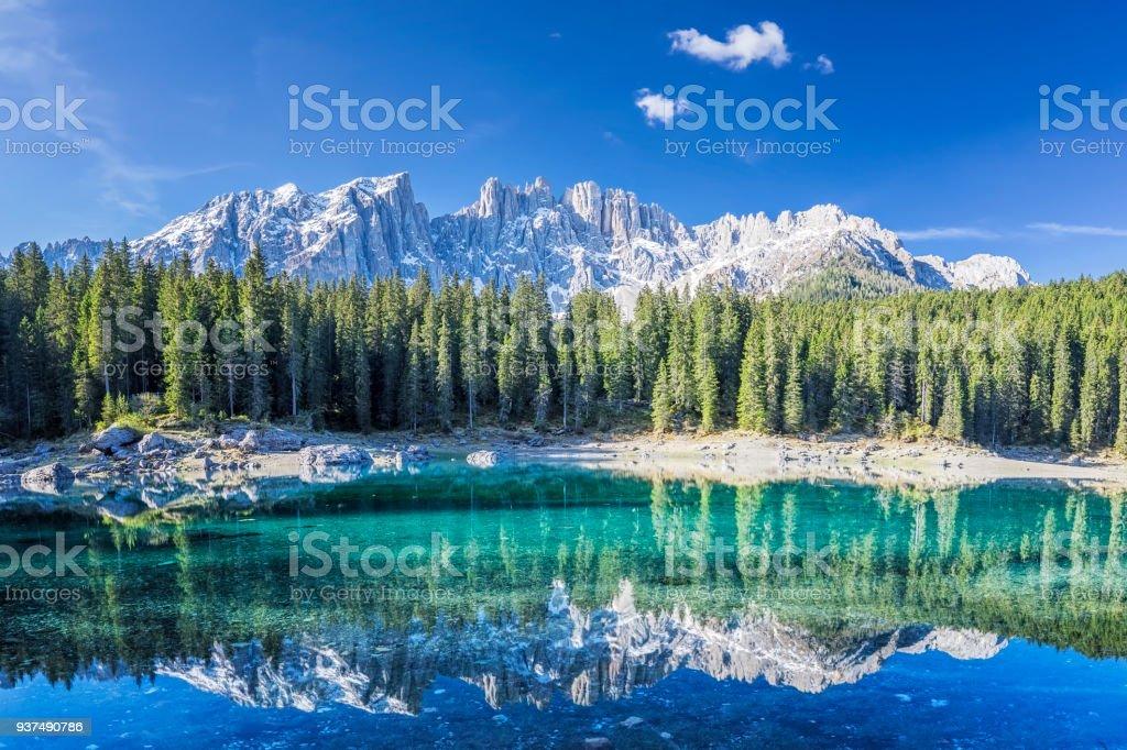 Lago di Carezza im Frühling – Foto