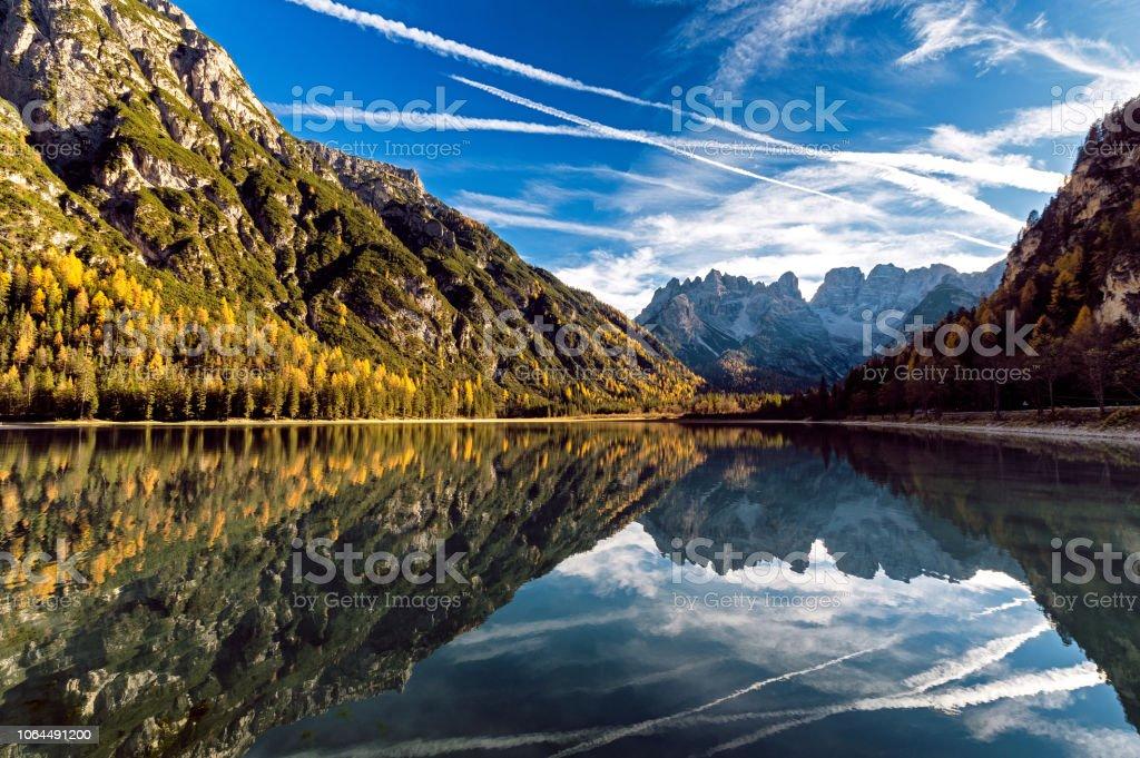 Lago di Landro stok fotoğrafı