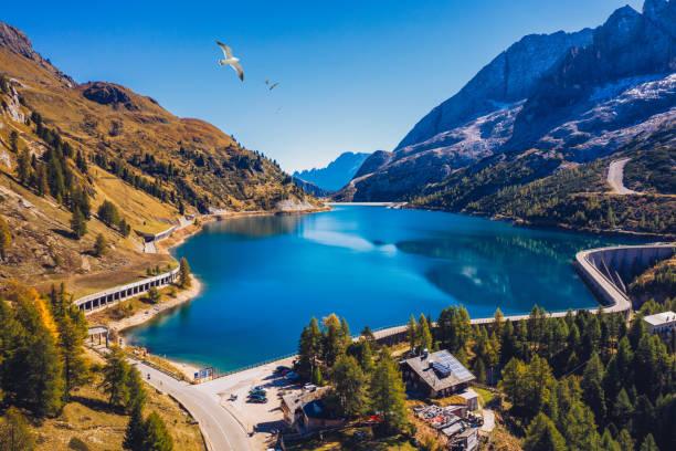 Lago Fedaia (Fedaia See), Fassa-Tal, Trentino Alto Adige, ein künstlicher See und ein Damm in der Nähe von Canazei Stadt, am Fuße des Marmolada-Massivs. Der Fedaia-See ist die Provinz Belluno in Italien. – Foto