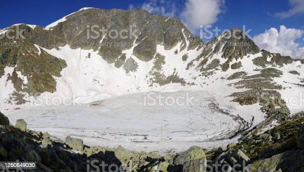 Lago Nero (Black Lake) - Стоковые фото Гора роялти-фри