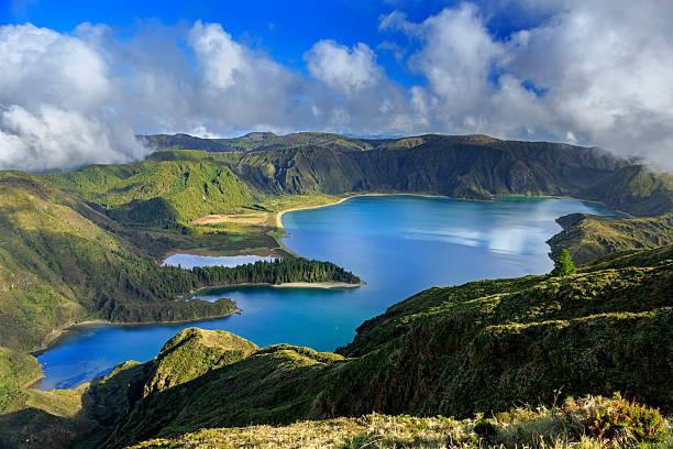 Lagoa tun Fogo und grün Tal in San Miguel Insel – Foto