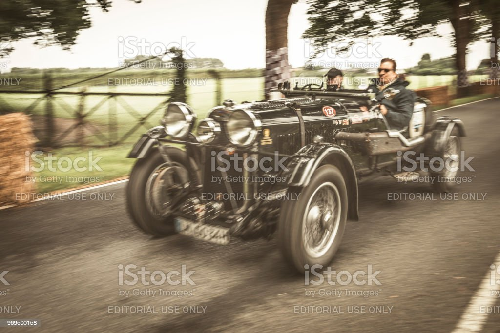Voiture de course classique de Lagonda M45 LeMans équipe voiture 1934 - Photo