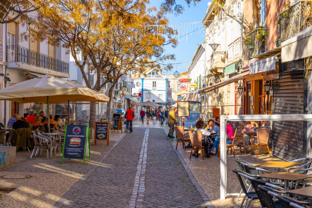 lagos old town, algarve, portugal. - esplanada portugal imagens e fotografias de stock
