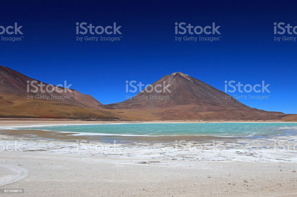 Laguna verde, green lagoon in Bolivia photo libre de droits
