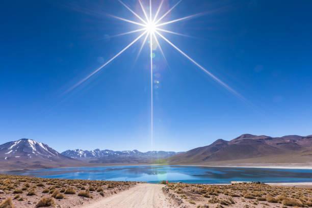 lagunas altiplanicas, miscanti y miniques, 阿塔卡馬沙漠的壯麗景色 - 阿爾蒂普拉諾山脈 個照片及圖片檔