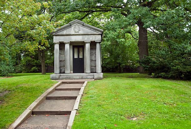 laid to rest - mausoleum stockfoto's en -beelden