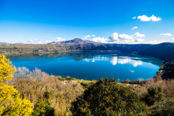 Lake Albano, near Rome, Italy Lake Albano, a small volcanic crater lake in the Alban Hills of Lazio, near Rome, Italy lazio stock pictures, royalty-free photos & images