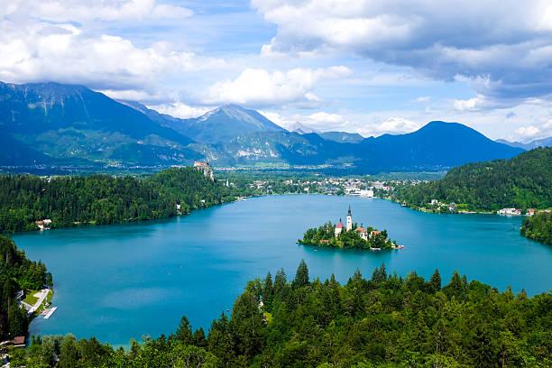lac bled  - slovénie photos et images de collection